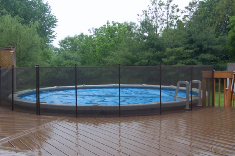 above-ground-pool-fence