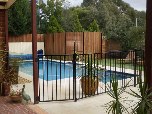 inground-pool-fences