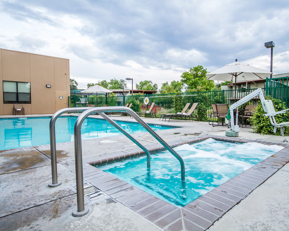 anderson outdoor pool