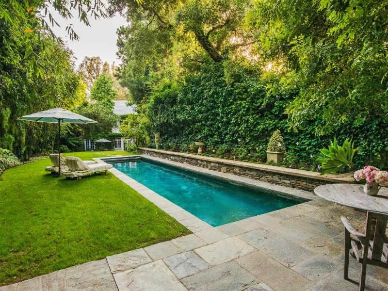 backyard pools beverly hills fl