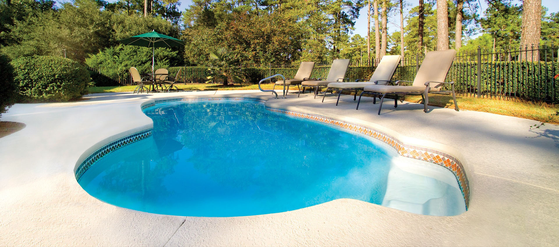 fiberglass pools vs concrete