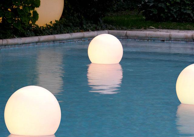outdoor pool decor
