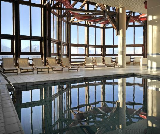 outdoor swimming pool alpe d'huez