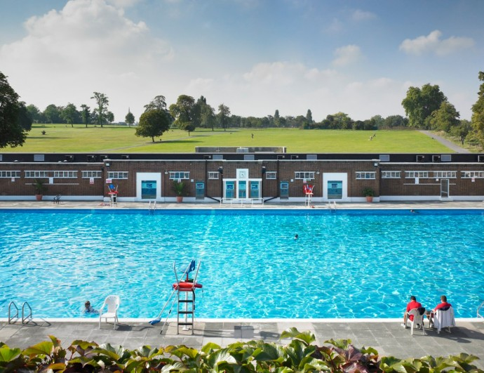 outdoor swimming pool london