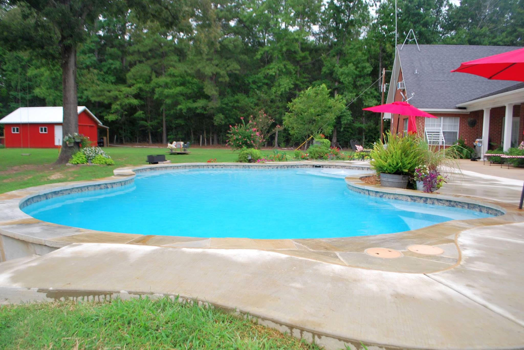 outdoor swimming pool maintenance