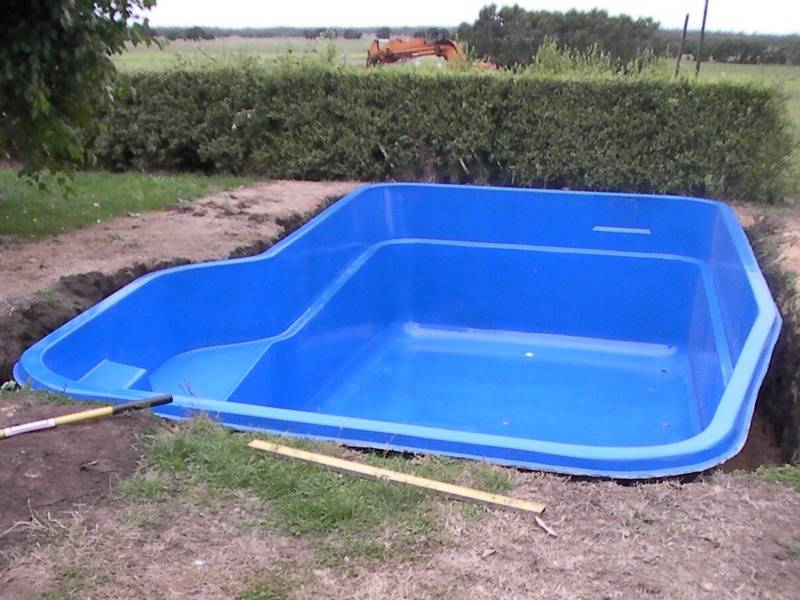small backyard pools designs