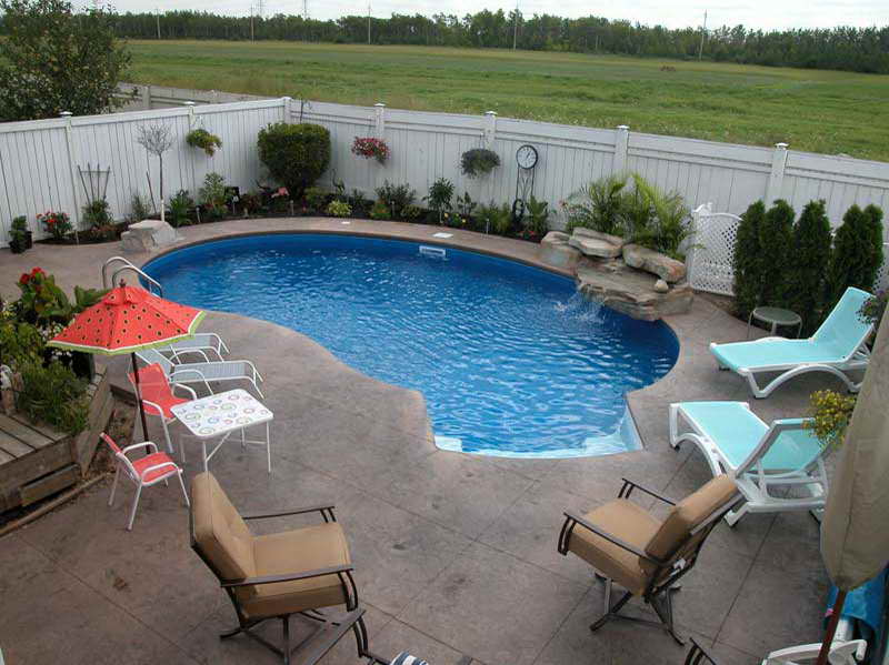 small inground pools for small backyards