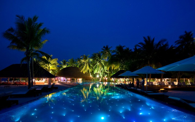 swimming pool installation topeka ks