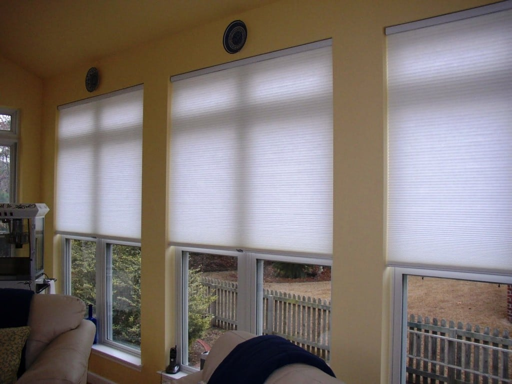 Roman blinds as the interior decoration