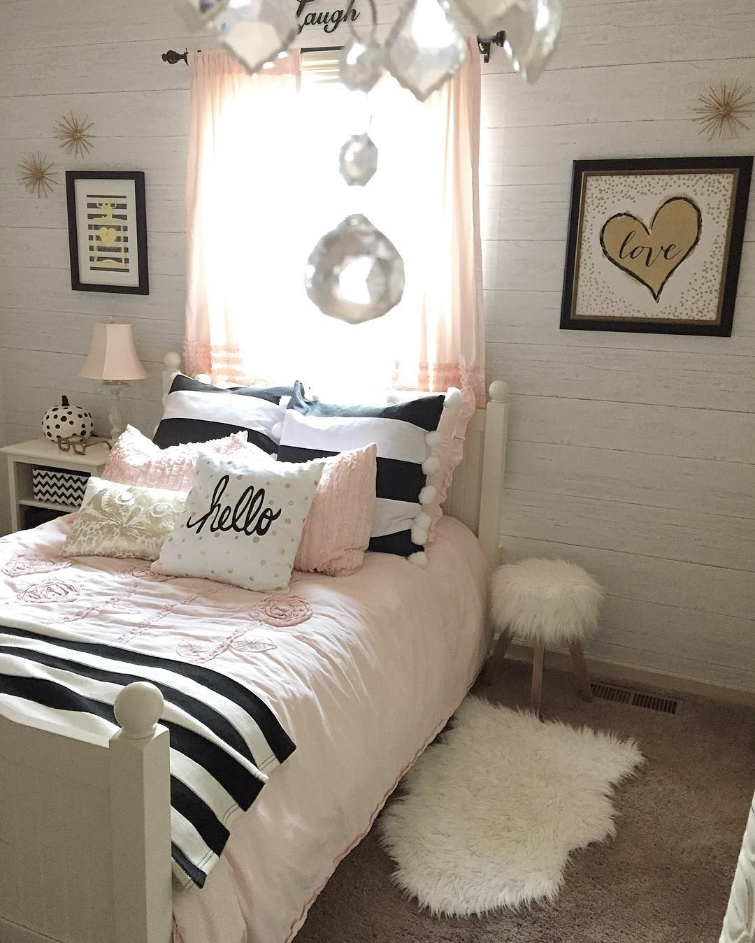 The decoration of girls bedroom