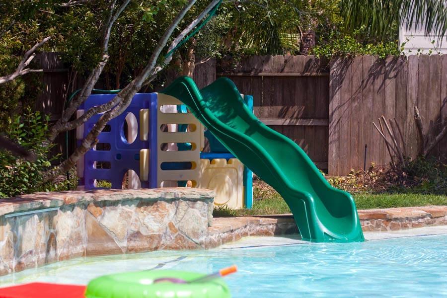 above-ground-pool-slide